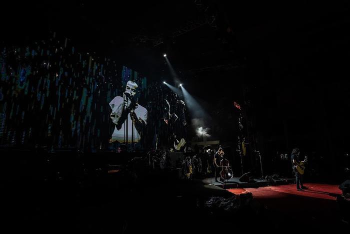 Bức Tường đưa Trần Lập 'trở về' trong sân khấu dưới mưa trước hàng ngàn khán giả Ảnh 14