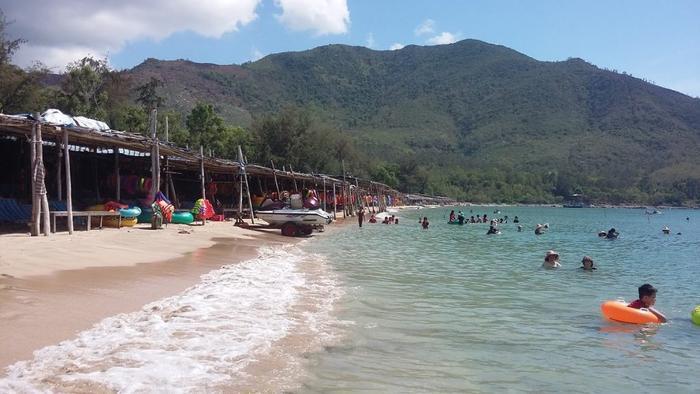 Tắm biển Bãi Dài, 4 học sinh đuối nước tử vong Ảnh 1