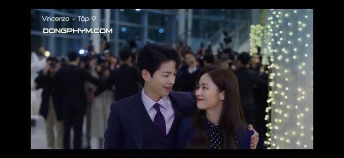 'Vincenzo': Song Joong Ki mê đắm Jeon Yeo Bin khi cô diện trang phục Hanbok Ảnh 6