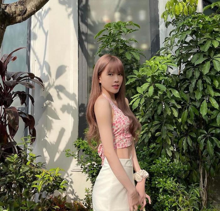 Thiều Bảo Trâm diện áo hoa hở lưng trắng ngần xinh ơi là xinh Ảnh 7