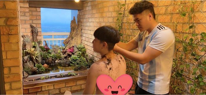 Lê Phương khoe con trai được chồng trẻ cắt tóc: Có ba cắt tóc là đẹp hơn bao người rồi Ảnh 6