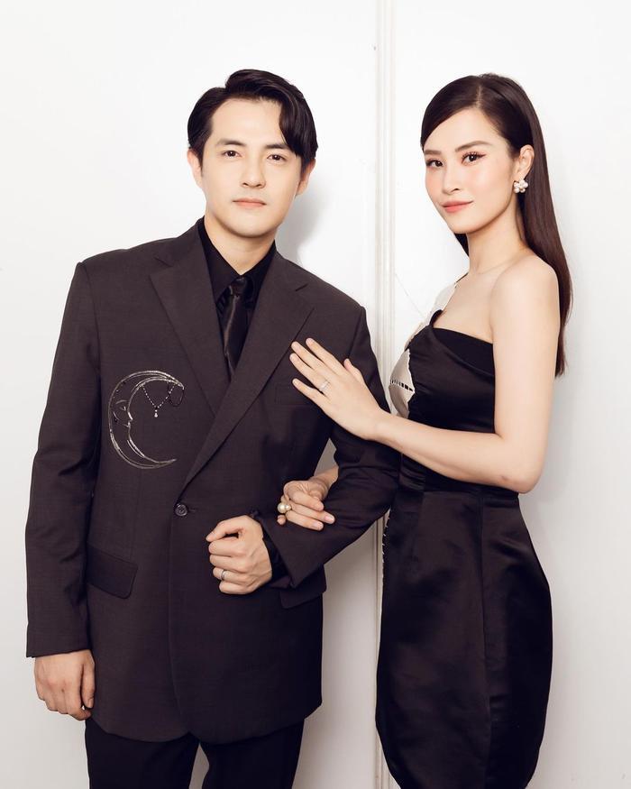 Thời trang đôi của Đông Nhi - Ông Cao Thắng càng nhìn càng thấy chuẩn đại gia Ảnh 2