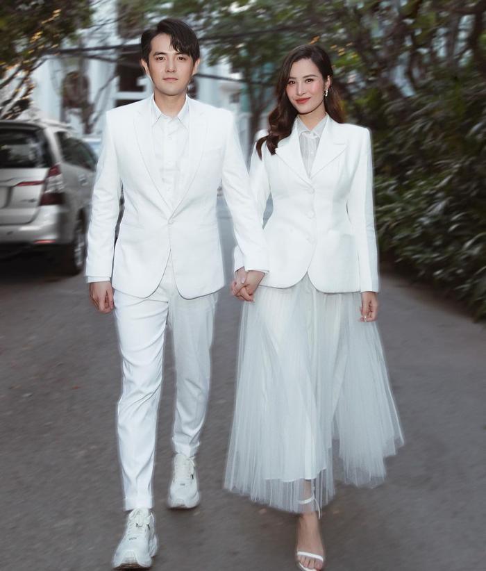 Thời trang đôi của Đông Nhi - Ông Cao Thắng càng nhìn càng thấy chuẩn đại gia Ảnh 10