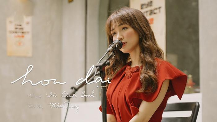 Hòa Minzy cover nhạc phim Việt đình đám một thời, dân mạng 'nửa khen nửa chê' không bằng bản gốc Ảnh 1