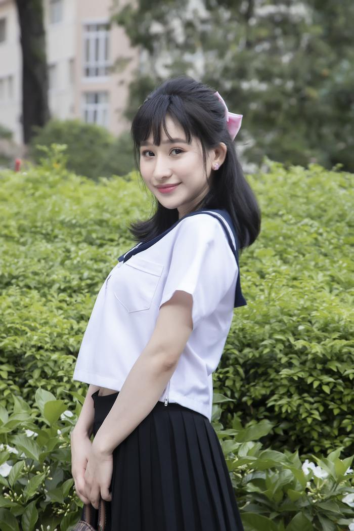Ivy Lê bất ngờ trở lại con đường diễn xuất, 'khóa môi' bạn diễn cực ngọt với phân cảnh 'Em chưa 18' Ảnh 1