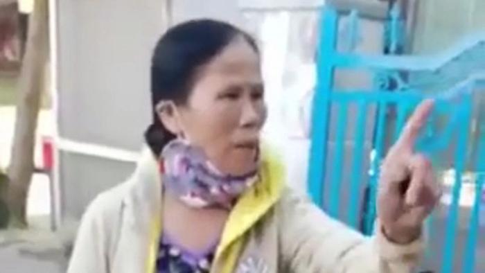 Vụ 2 mẹ con bị đổ chất bẩn lên người: Chủ nợ đến tận trường, dọa cho giang hồ bắt bé trai Ảnh 2