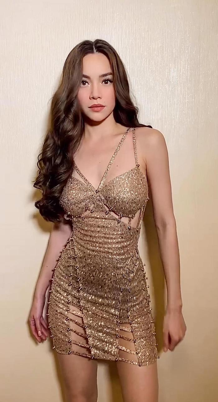 Hồ Ngọc Hà diện váy trễ vai bồng bềnh đẹp như nàng công chúa Ảnh 5