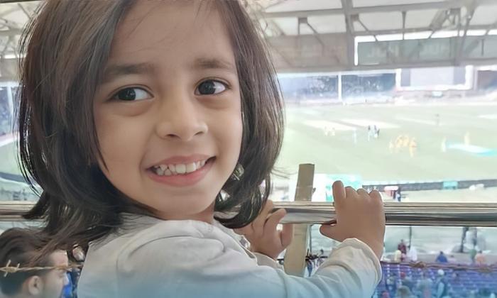 Cô bé 4 tuổi lập kỷ lục thế giới khi giành được chứng nhận chuyên gia của Microsoft Ảnh 2