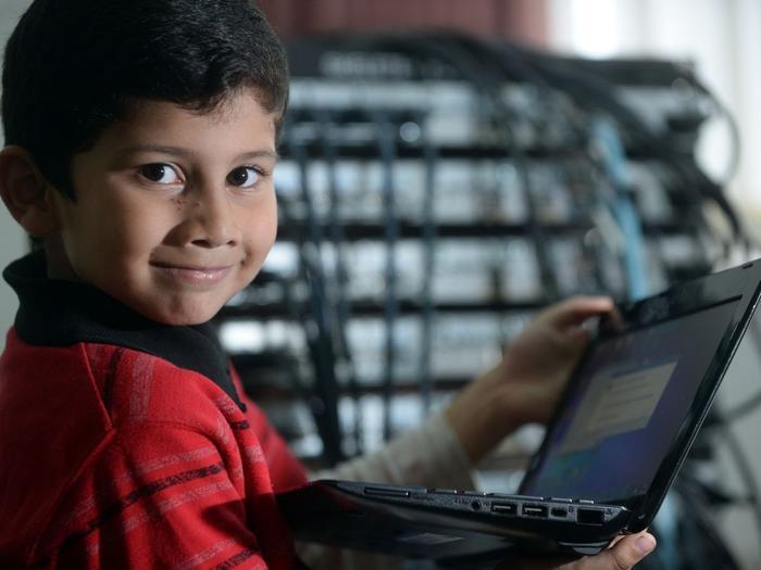 Cô bé 4 tuổi lập kỷ lục thế giới khi giành được chứng nhận chuyên gia của Microsoft Ảnh 4