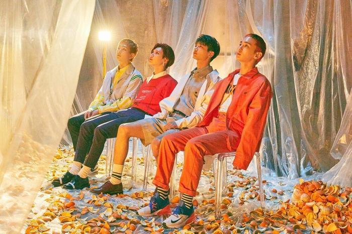 Kpop tuần qua: BTS chuẩn bị có thêm MV đạt tỉ view, Twice xác nhận comeback