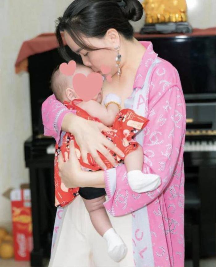 Quách Ngọc Ngoan hạnh phúc khoe khoảnh khắc bình yên bên con gái nhỏ giữa lùm xùm chia tay Phượng Chanel Ảnh 6