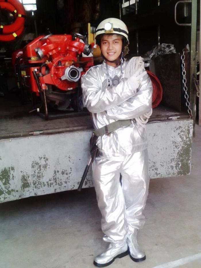 Chuyện nghề chàng lính cứu hỏa một mình xông vào biển lửa cứu gia đình 7 người bị mắc kẹt Ảnh 1