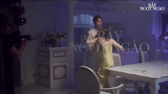 Bảo Anh ê ẩm cả người vì cảnh nóng bạo lực với Quốc Trường, Minh Hằng 'cởi hết' trong 'Bẫy ngọt ngào' Ảnh 6
