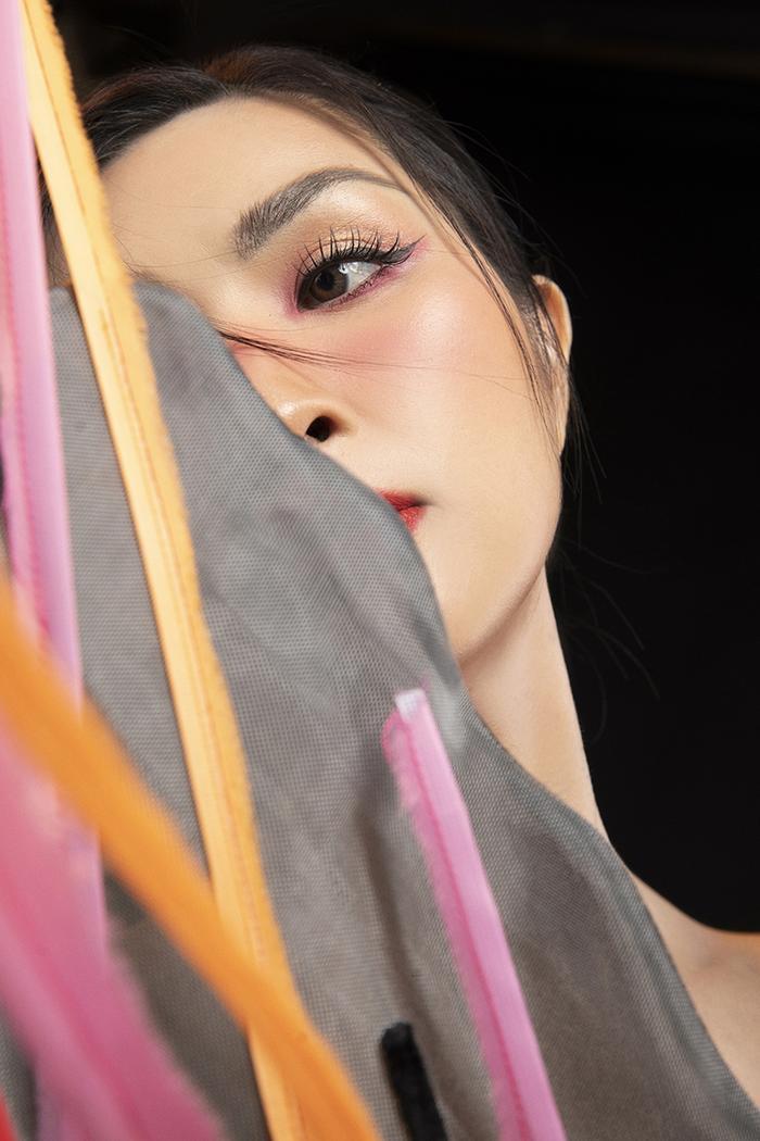 Nhan sắc nuột nà khó tin ở tuổi 40 của Nguyễn Hồng Nhung Ảnh 10