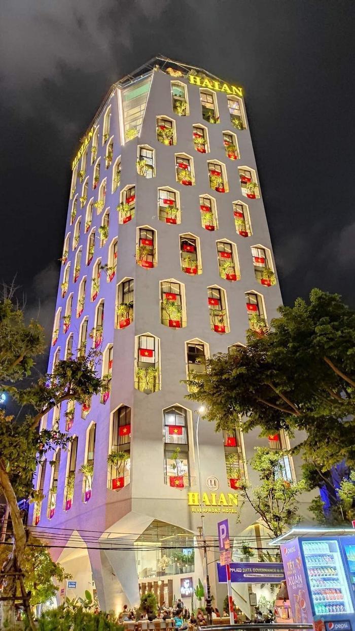 Việt Nam trong tim ta: Rực rỡ cờ đỏ sao vàng trên từng mái nhà góc phố Ảnh 5