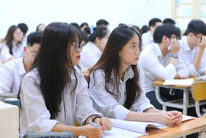 Dịch COVID-19 diễn biến phức tạp, nhiều trường đại học cho sinh viên nghỉ sau lễ Ảnh 1
