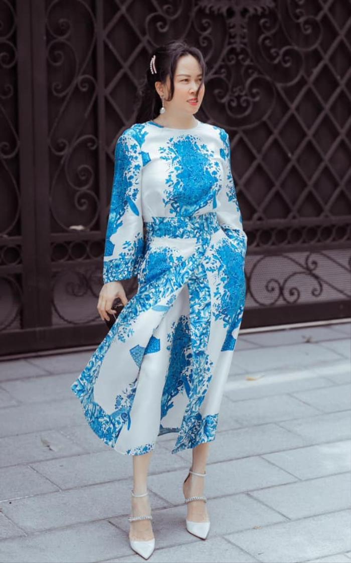 Phượng Chanel lên đồ trễ nải khoe xương quai xanh quyến rũ đi chơi ngày lễ 30/4 Ảnh 5