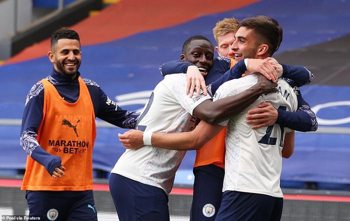 Man City vô địch Ngoại hạng Anh sớm 4 vòng nếu MU thua Liverpool Ảnh 2