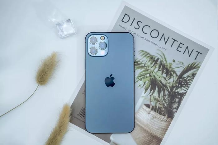 iPhone 12 Pro Max giảm giá không phanh, về mức thấp chưa từng có