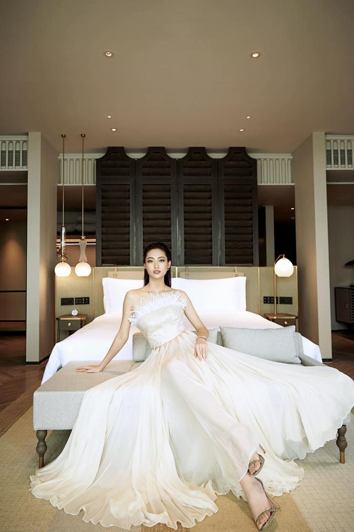 Soi sắc vóc không có đối thủ của Lương Thùy Linh: Quá áp lực cho tân hoa hậu Miss World Vietnam 2021? Ảnh 3