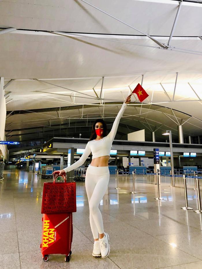 NSƯT Hồng Vân, Võ Hoàng Yến, Minh Tú, H'Hen Niê cổ vũ Khánh Vân thi Miss Universe 2020 Ảnh 3