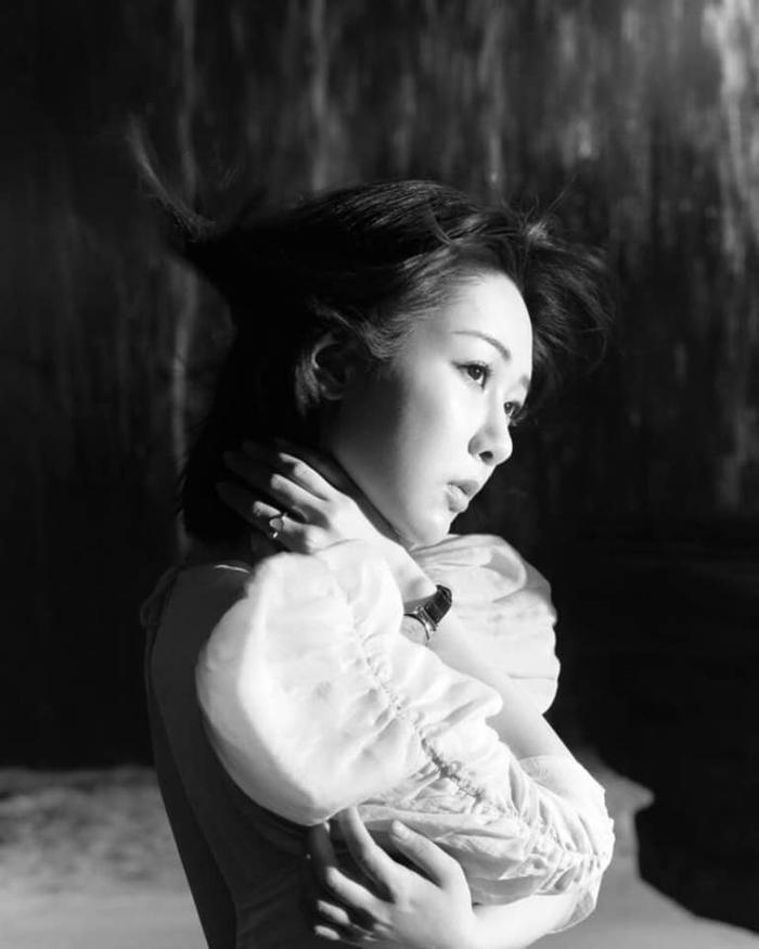 Dương Tử visual 'tựa sương khói' xuất hiện trên tạp chí, dân tình khen ngợi hết lời Ảnh 4