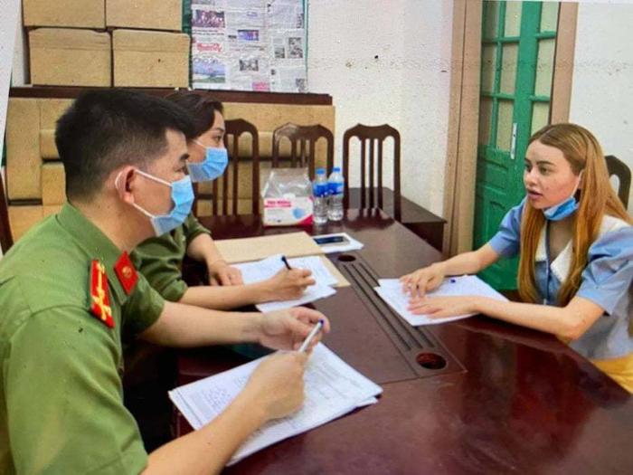 Nữ sinh viên tiếp tay cho người nhập cảnh trái phép bị khởi tố Ảnh 1