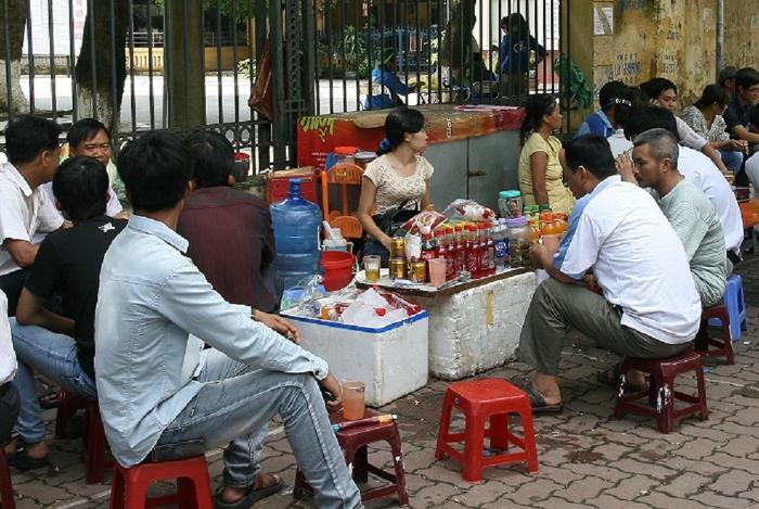 Hà Nội đóng cửa quán ăn đường phố, trà đá vỉa hẻ,... phòng dịch COVID-19 Ảnh 1