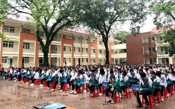 Yên Bái yêu cầu 4 huyện và thị xã cho học sinh, sinh viên nghỉ học để phòng dịch Covid-19 Ảnh 1