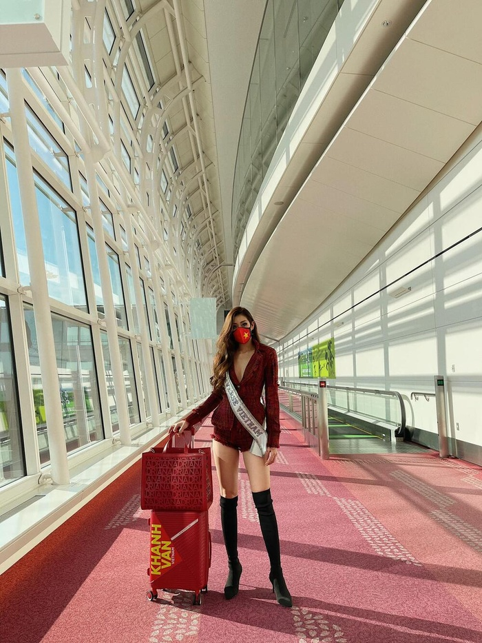 Chiến lược váy áo khai mạc Miss Universe của khánh Vân cực khôn khéo, khiến fan muốn vỡ oà Ảnh 4