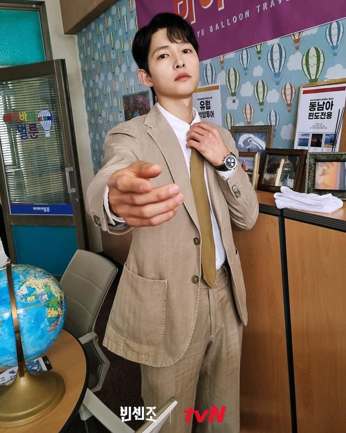 Song Joong Ki đích thân xin lỗi sau tranh cãi của 'Vincenzo', Knet khen hết nấc!