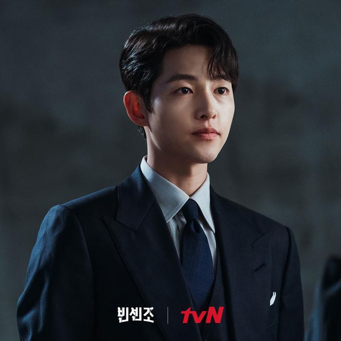 Song Joong Ki - Jang Nara trở thành 'ông hoàng - bà hậu', đứng đầu top 50 diễn viên tháng 5! Ảnh 1