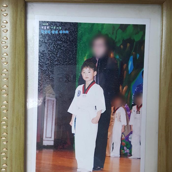 Hàng loạt sao Hàn khoe ảnh ngày bé mừng Tết thiếu nhi! Ảnh 170