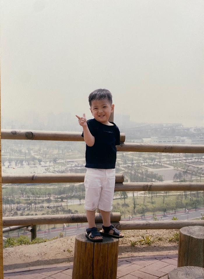 Hàng loạt sao Hàn khoe ảnh ngày bé mừng Tết thiếu nhi! Ảnh 96