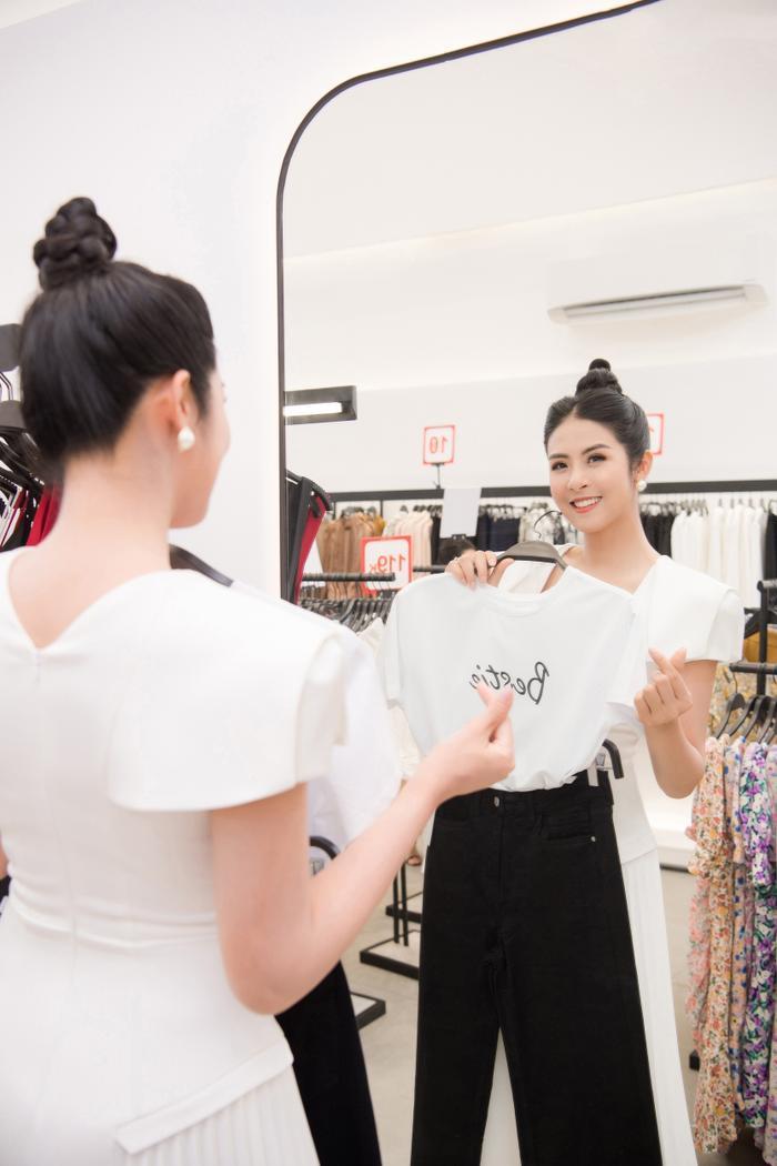 Hoa hậu Ngọc Hân thay 3 váy, điệu đà e ấp bên siêu mẫu nam điển trai Ảnh 9