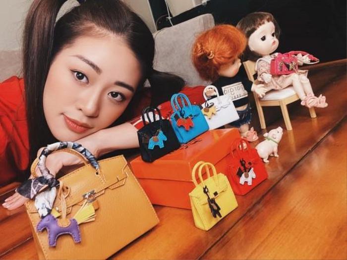 Style đối lập của Khánh Vân ở nhà và thi Quốc tế, beauty queen 'lột xác' thành công thật rồi! Ảnh 6
