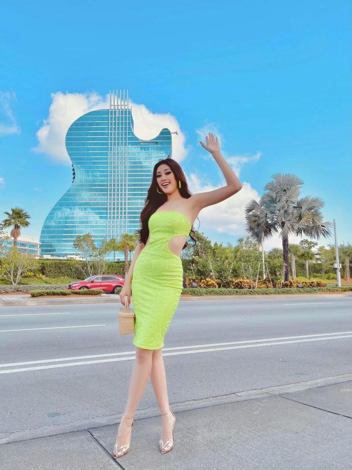 Style đối lập của Khánh Vân ở nhà và thi Quốc tế, beauty queen 'lột xác' thành công thật rồi! Ảnh 9