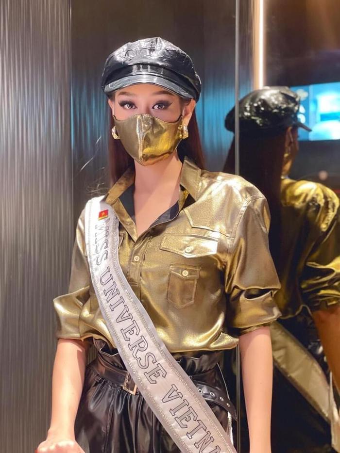 Style đối lập của Khánh Vân ở nhà và thi Quốc tế, beauty queen 'lột xác' thành công thật rồi! Ảnh 12