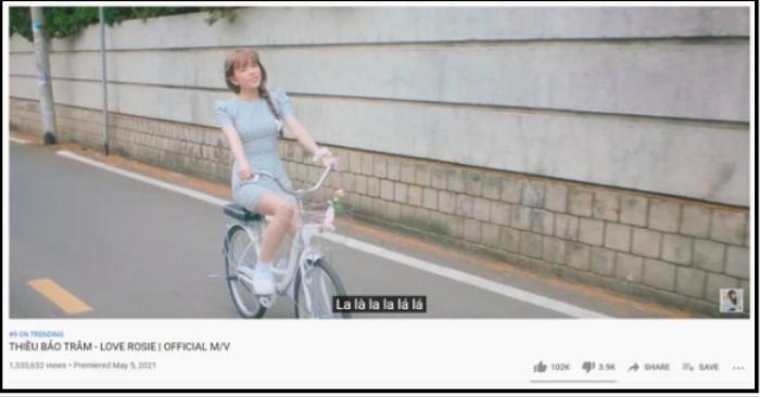 Bị 'chê lên chê xuống' nhưng MV mới của Thiều Bảo Trâm đang có dấu hiệu vượt mặt Sơn Tùng? Ảnh 2