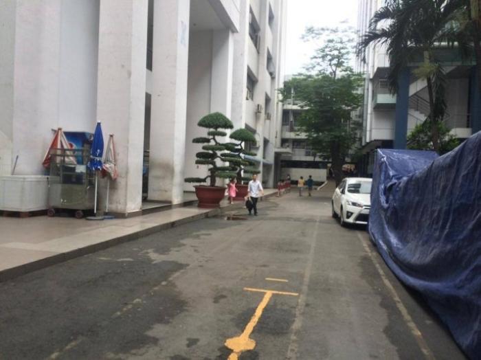 Nữ sinh lớp 10 rơi từ tầng 3 trường học sau giờ thi học kỳ Ảnh 1