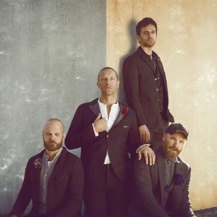 Có hay không cú bắt tay lịch sử giữa BTS và Coldplay? Ảnh 1