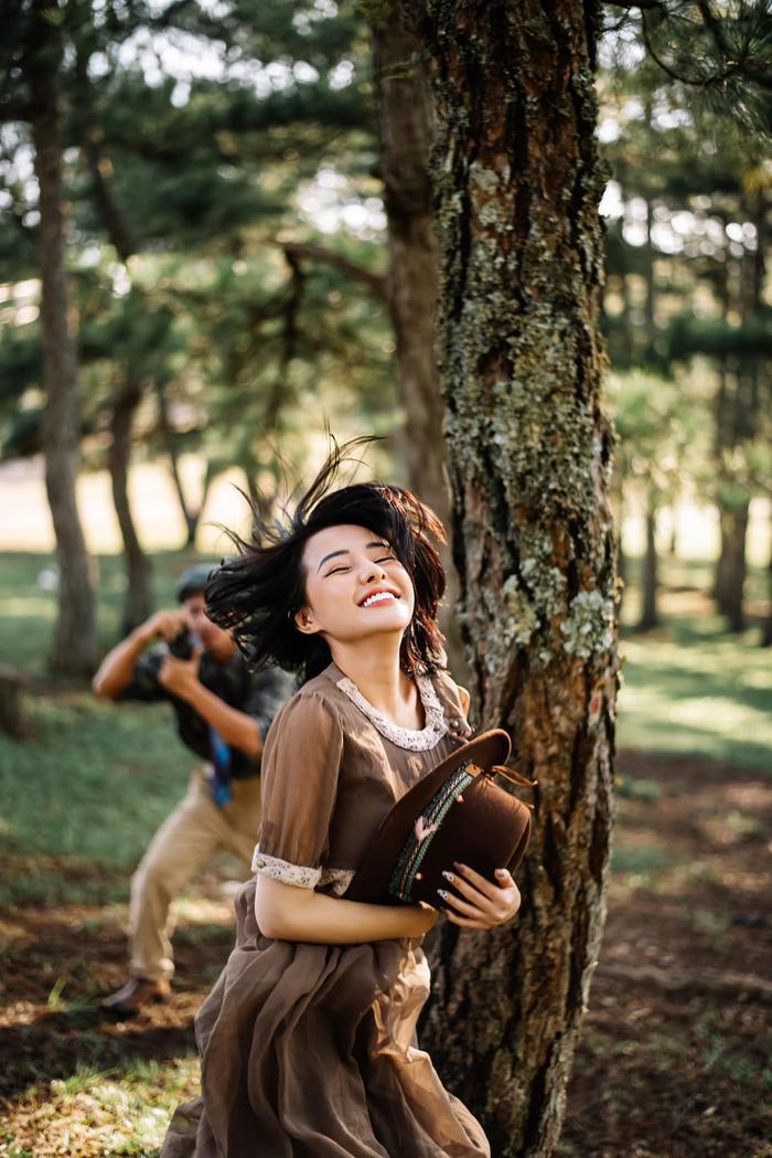 Ngân 98 tung ảnh hóa 'nàng thơ' kín như bưng nhưng vẫn bị chỉ trích vì để lộ điểm nhạy cảm kém duyên Ảnh 11