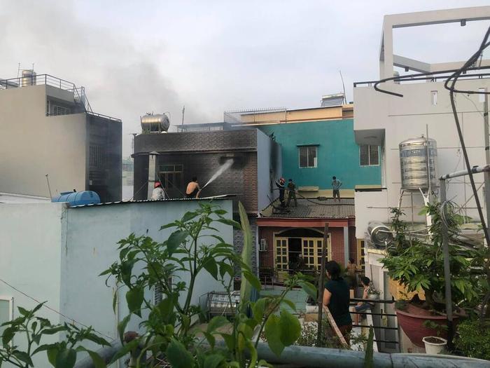 Hiện trường vụ cháy khiến 8 người tử vong: Mới dời cơ sở khoảng 1 tuần, các nạn nhân tử vong do ngạt thở Ảnh 7