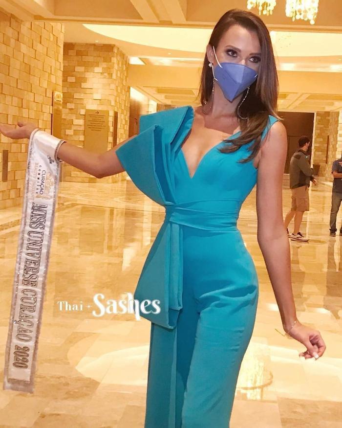 Người đẹp chủ nhà Mỹ bị chê ăn diện tềnh toàng, chìm nghỉm giữa dàn mỹ nhân Miss Universe Ảnh 5