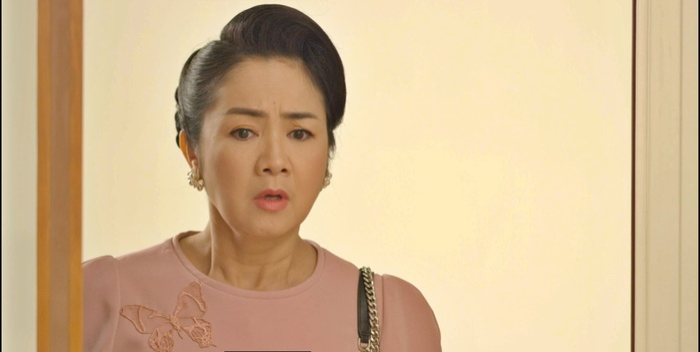 Tập 34 'Hướng dương ngược nắng': NSND Thu Hà được Hồng Diễm - Quỳnh Kool tích cực se duyên với chú Quân Ảnh 4