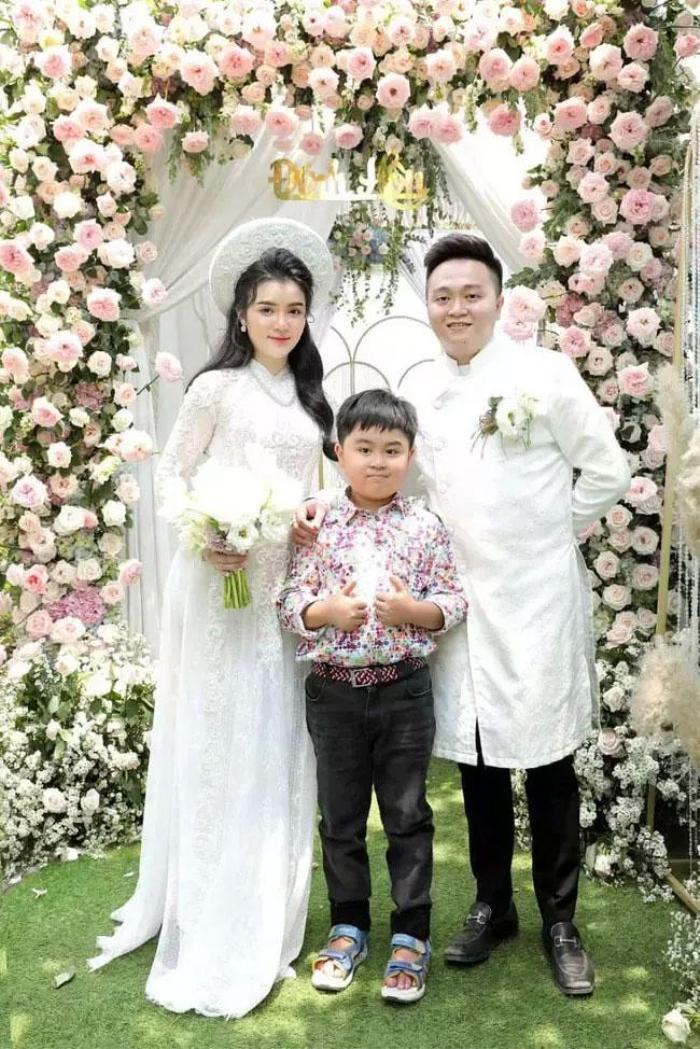 Con dâu mới của ông Dũng 'lò vôi' bị cộng đồng mạng tấn công, nguyên nhân được bà Phương Hằng tiết lộ Ảnh 2