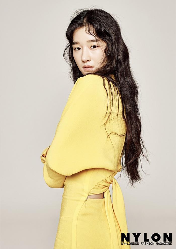 'Baeksang 2021': Seo Ye Ji thắng giải đầu tiên, chính thức cho Kim So Hyun và Shin Hye Sun ra 'chuồng gà'