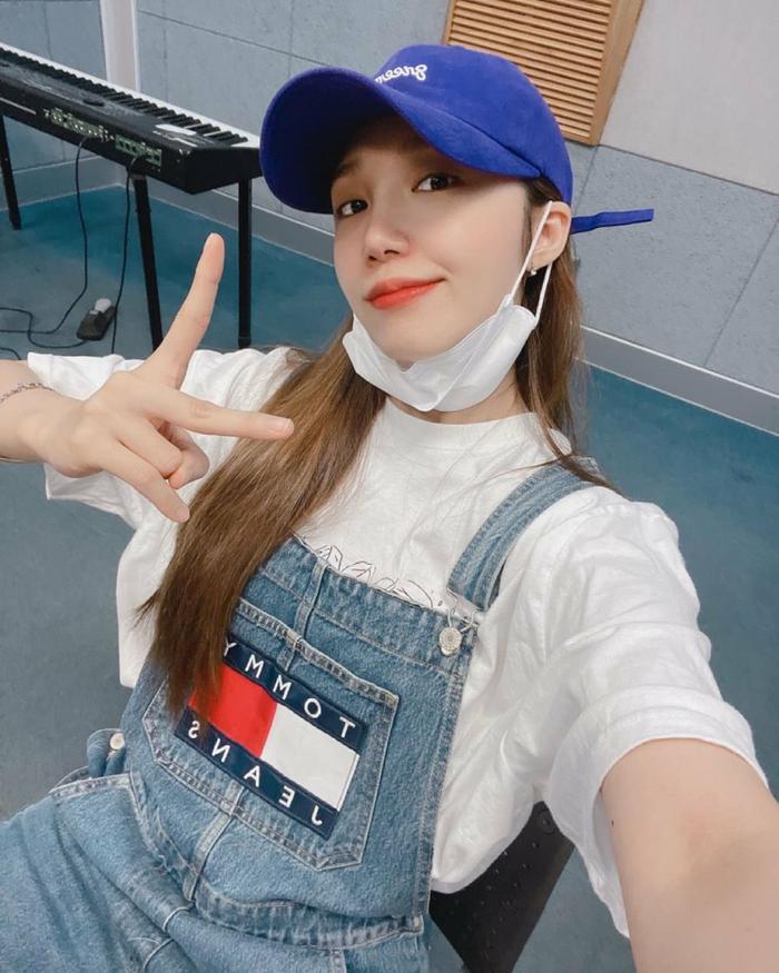 5 nam nữ idol K-Pop trả nợ cho cha mẹ sau khi trở thành thần tượng: IU đáng ngưỡng mộ nhất! Ảnh 10
