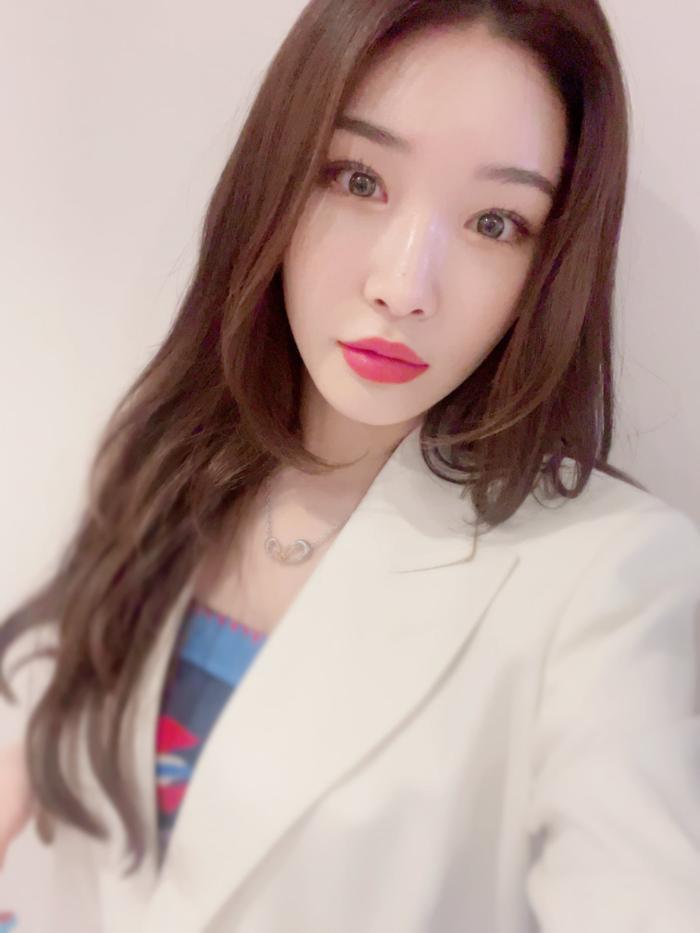 5 nam nữ idol K-Pop trả nợ cho cha mẹ sau khi trở thành thần tượng: IU đáng ngưỡng mộ nhất! Ảnh 8