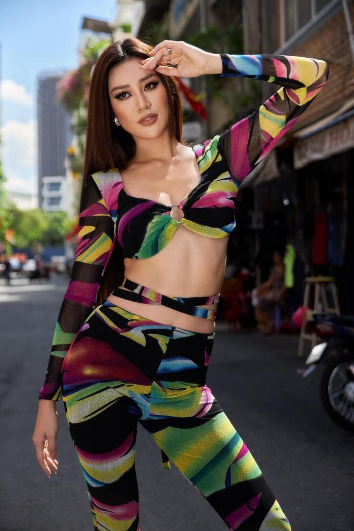 8 chủ đề hùng biện cực gắt cho Top 5 Miss Universe: Khánh Vân đã sẵn sàng lan tỏa trái tim yêu thương? Ảnh 1